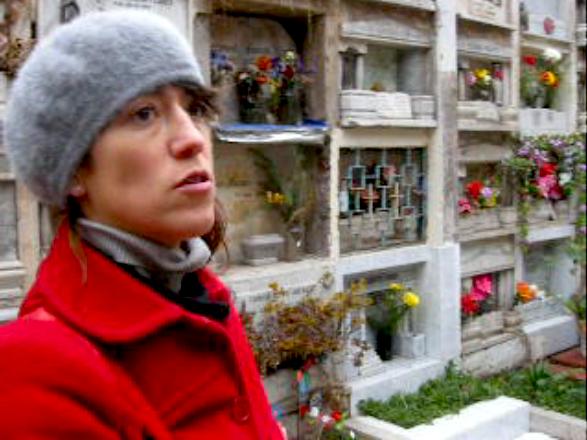 laura cementerio